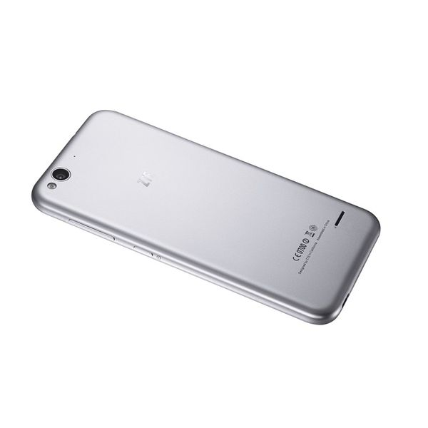 Смартфон ZTE Blade S6 Lite серебряный